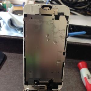 iPhone6・水没復旧・パネル側もびちょびちょ